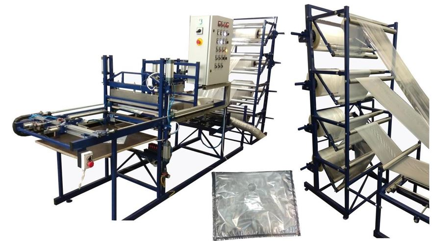 Automatic machine for the manufacture of packages with changing sizes